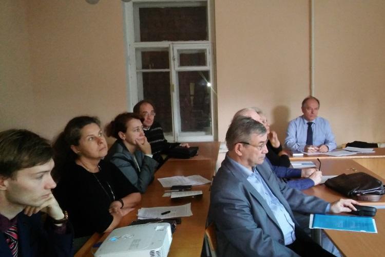 Доклад  кафедры  ЮНЕСКО на заседании круглого стола  в ИПРЭ РАН
