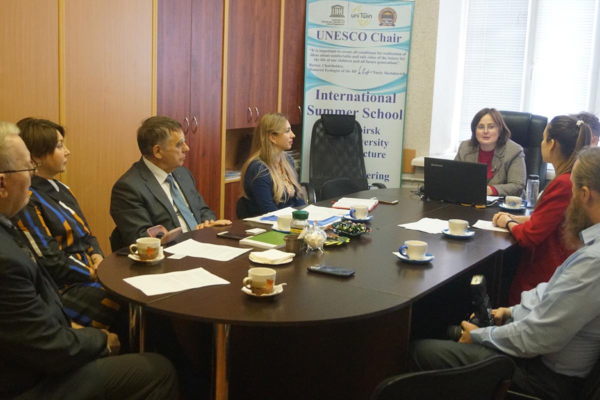 Кафедры ЮНЕСКО Политеха и НГАСУ развивают сотрудничество